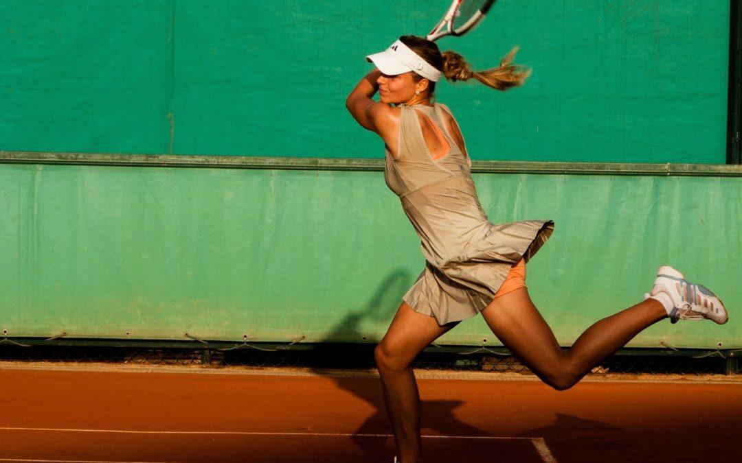 Comment bien choisir son matériel de tennis quand on débute ?