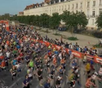 Coureurs et spectateurs du marathon de Nantes