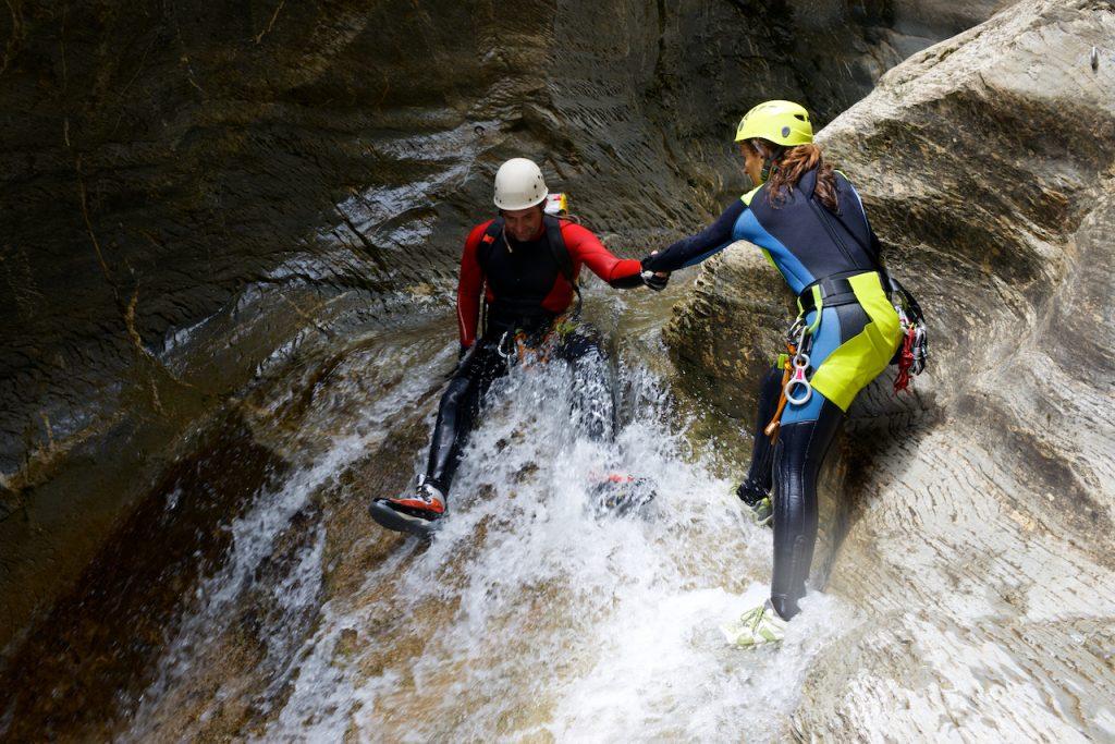 Entraide au canyoning
