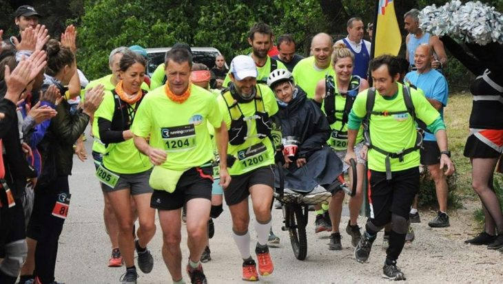 la solidarité des coureurs du trail des eaux vives à Marseille