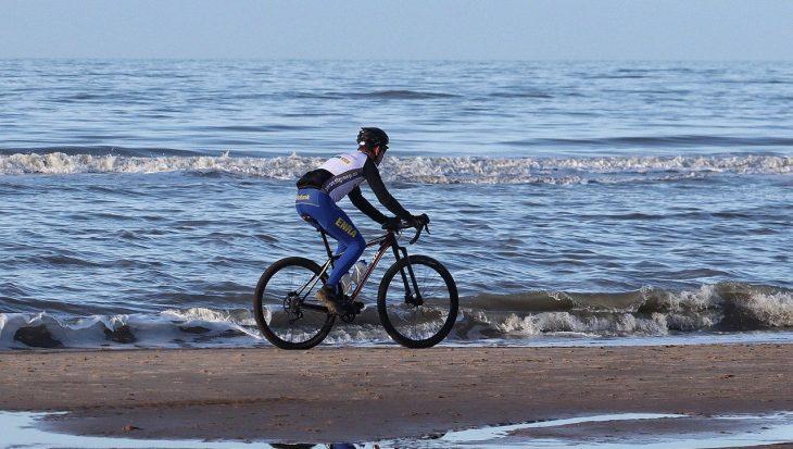 vélo, sport en V