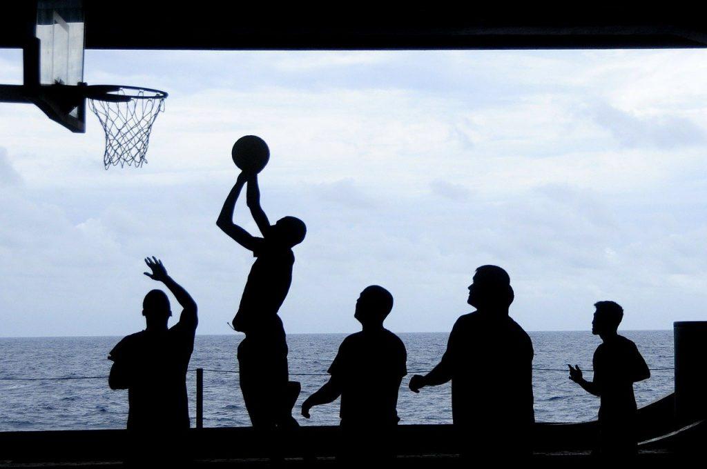 basketball, un sport en B