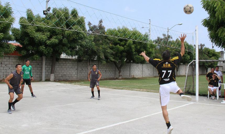 Ecuavóley, un sport en E semblable au volley-ball
