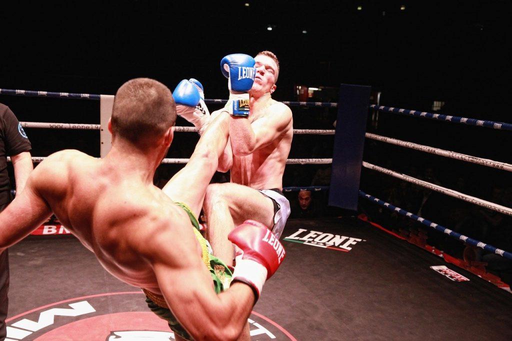 Full contact ou kick boxing américain