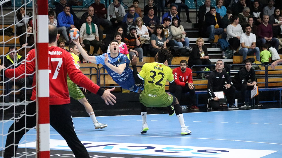contact handball